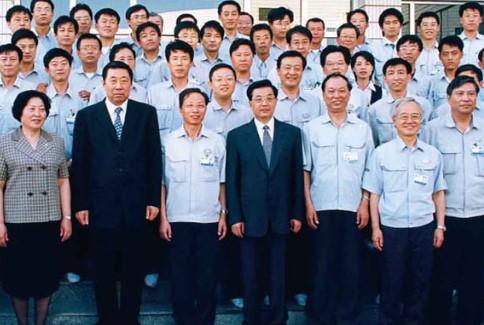 国家主席胡锦涛视察公司